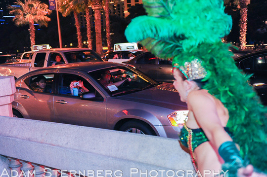 This woman actually threw a crumpled $1 at Sarah so she could snap a photo from her car!