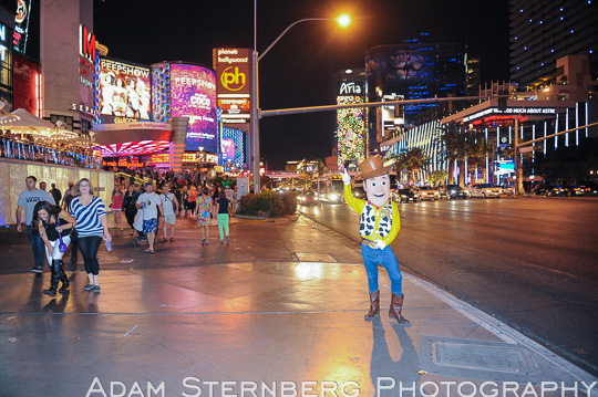 Here, Woody stands alone, never approaches tourists, and looks a bit out of place for Sin City. I stood at this location for 10 minutes and never watched one person approach him.
