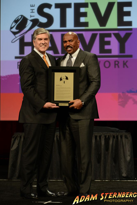 Steve Harvey receiving his NAB Hall of Fame award for 2014.