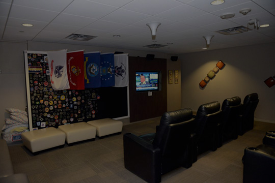 Whether you want to watch a movie or relax in a comfy recliner and get some rest between flights, the USO Las Vegas provides these services for our military.
